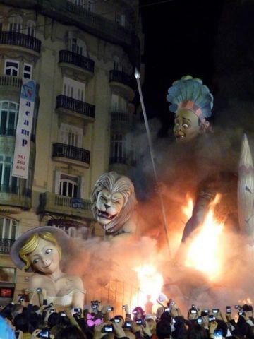 スペイン「サン・ホセの火祭り」