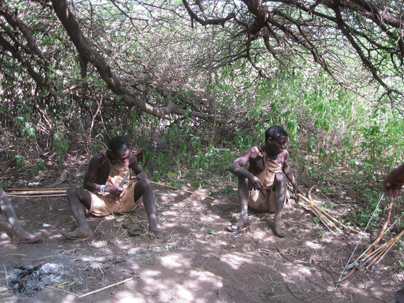 タンザニア ハッザの人々
