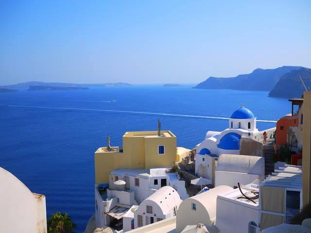 エーゲ海の絶景!アトランティス伝説の残る島・サントリーニ島