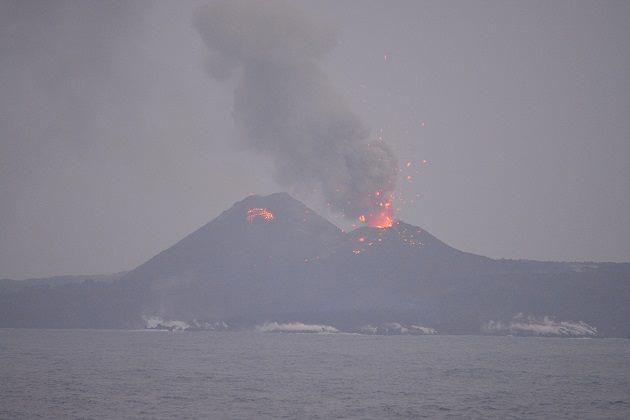 奇跡の1枚「西ノ島噴火の写真」