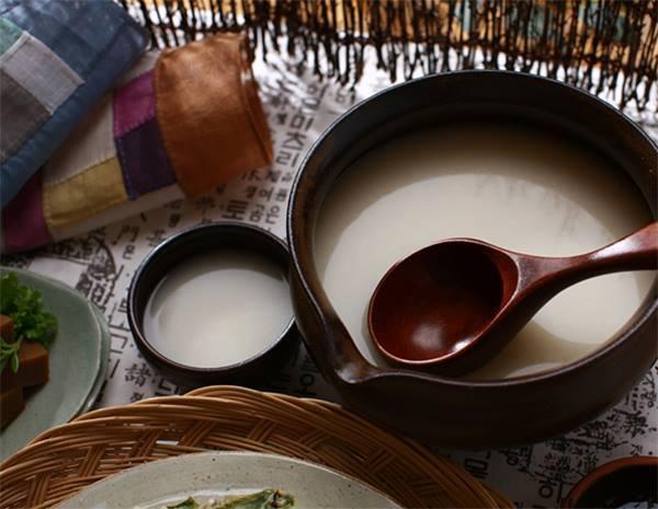 韓国の陶磁器とマッコリについて