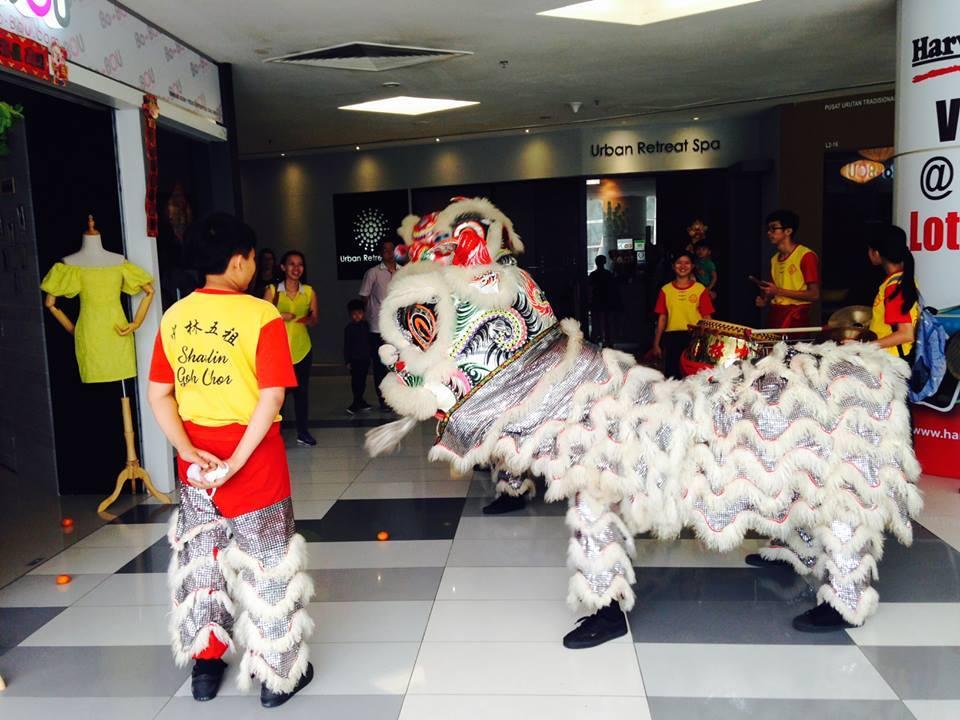 旧正月に必見!マレーシア流獅子舞『ライオンダンス』