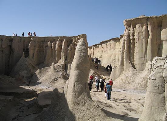 """イランの穴場的な観光地""""ゲシュム島"""""""
