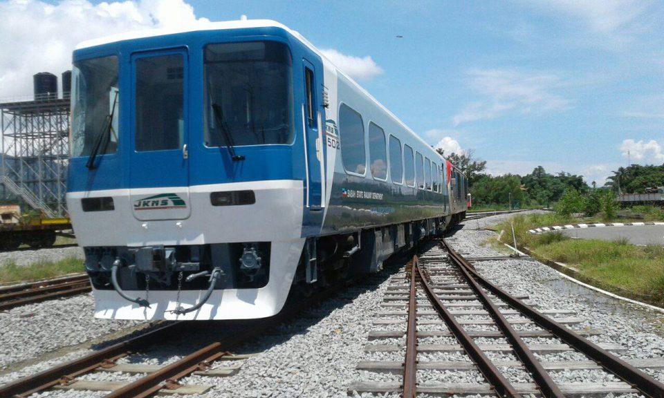 マレーシア、コタキナバルを走る「キハ8500系」