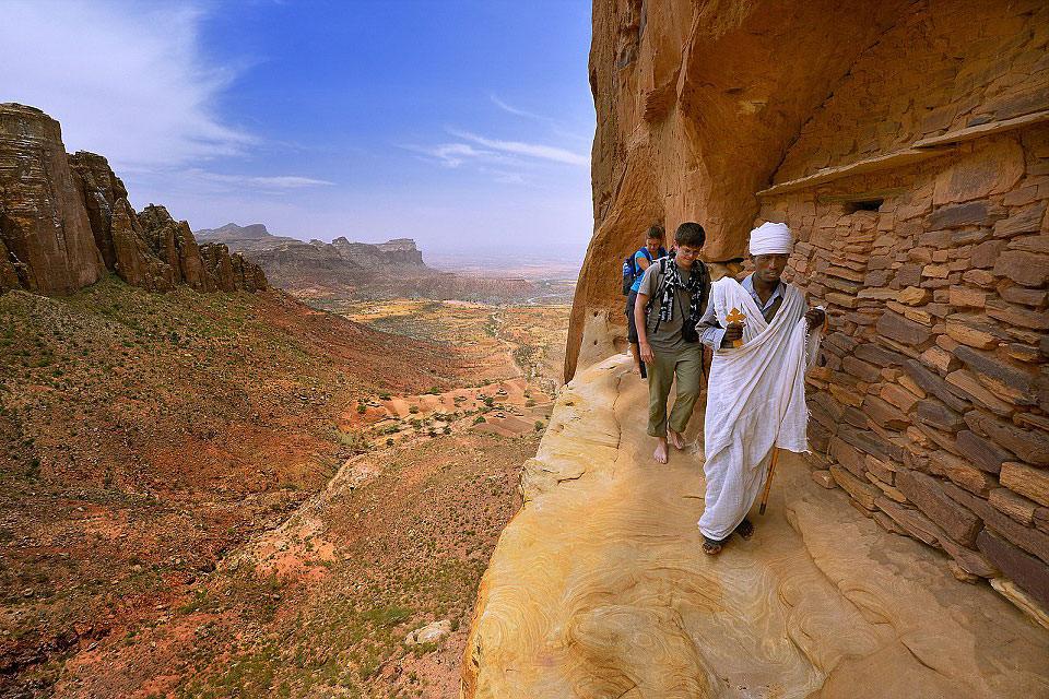 エチオピア北部、ティグレ州の岩窟教会群