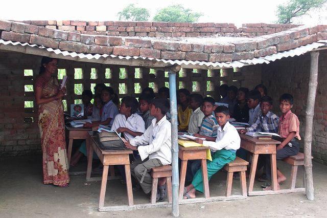 インドのローカルに出会う『村の学校訪問』