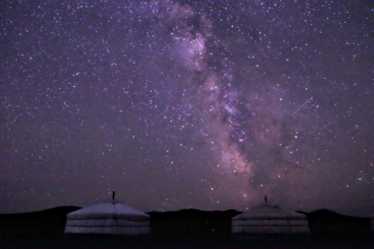 モンゴルの満天の星空を楽しむなら「星空案内人」同行ツアー