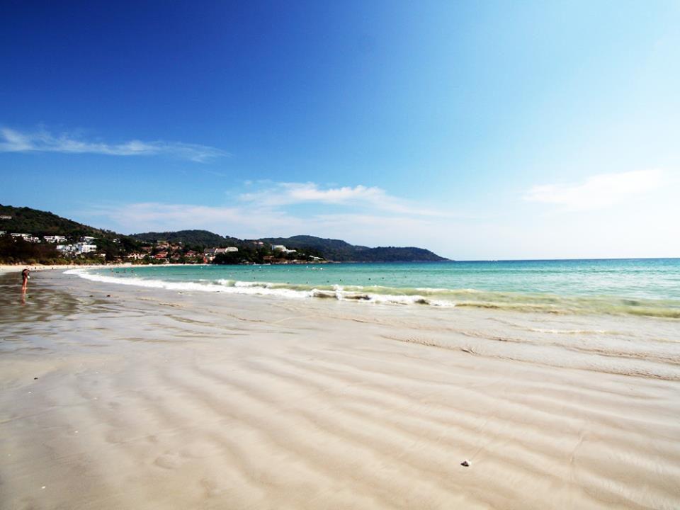 白砂が美しいプーケットのカタビーチ
