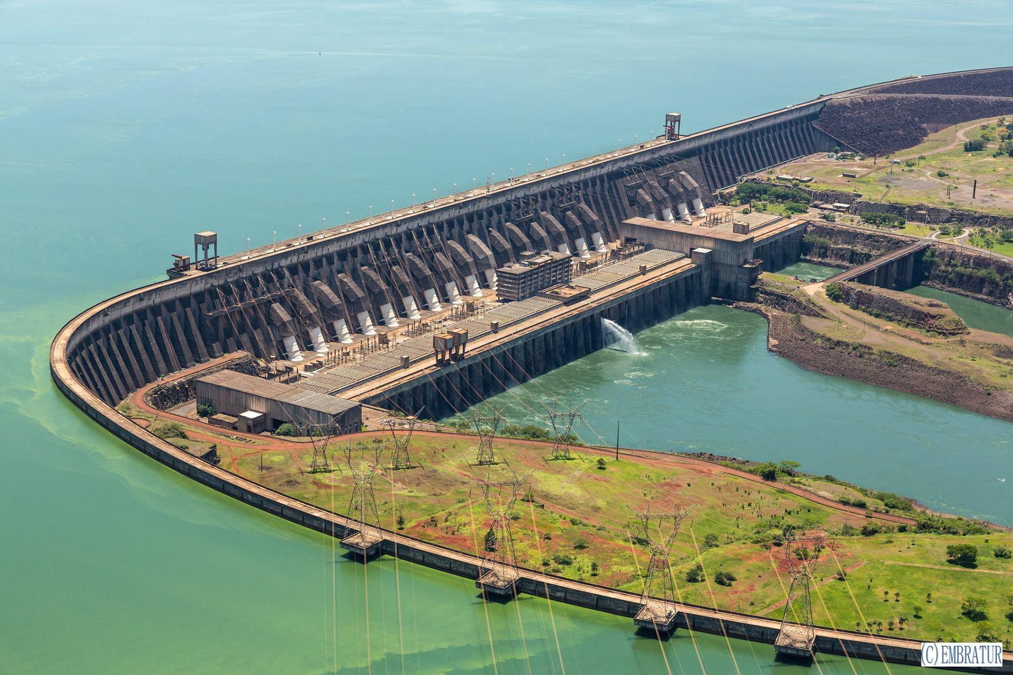 見学できる!南米にある世界最大級の水力発電用ダム『イタイプーダム』